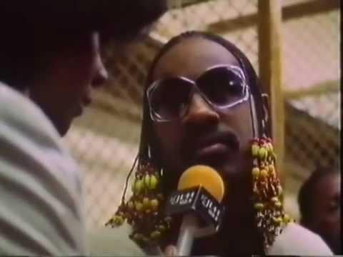 Stevie Wonder Announces John Lennon`s Death  Live to his Audience 1980 (Rare)