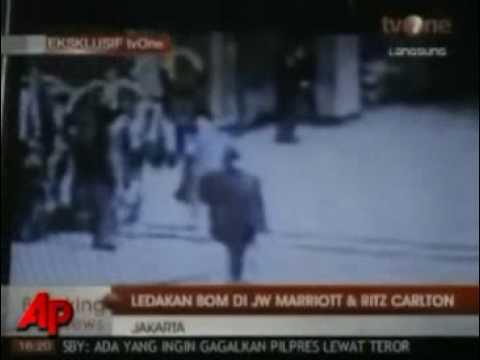 Video tiet lo ke danh bom khach san o Jakarta