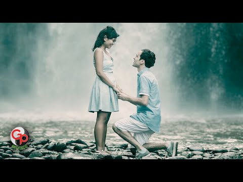 BADAI ROMANTIC PROJECT - Melamarmu [Official Video Lyric]