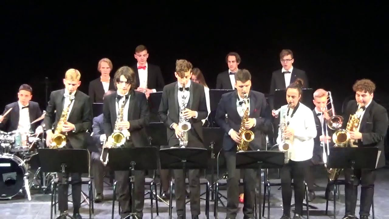 Биг-бэнд Академии джаза под руководством Павла Леонидовича Овчинникова.