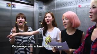 Download Video F-ve Dolls Cut (Behind The Scene of Simply Kpop) MP3 3GP MP4