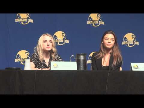 Dragon Con 2014 08 31   Evanna Lynch and Scarlett Byrne Part 1 CMC