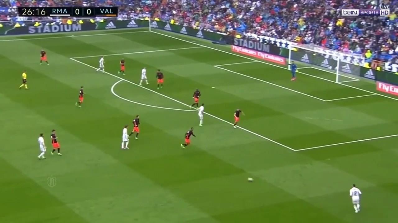 Download Real madrid vs Valencia 2-1 Resumen