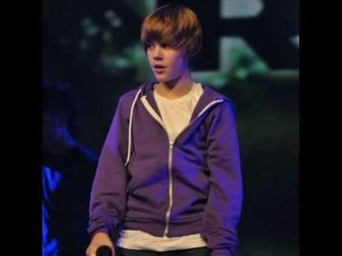 Justin Bieber sing's the Climb