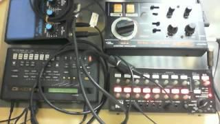 DR-55 & QY10 MIDI Sync demo - DENSHI BEAM / BakaOscillator