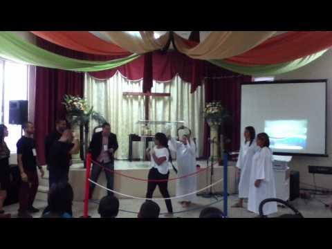 my sobrina en un drama maria E rodriguez dios la siga bendiciendo en su ministerio a DIOS TODA