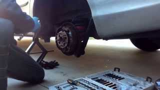 How to Replace Wheel Hub Assembly on 2004 Toyota Sienna LE