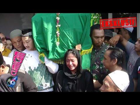 Download Hot News! Dewi Perssik Histeris Antar Ayah ke Peristirahatan Terakhir - Cumicam 10 Juni 2019 Mp4 baru