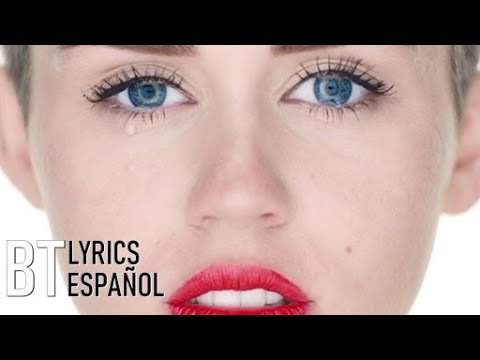 Miley Cyrus - Wrecking Ball (Lyrics + Español) Video Official