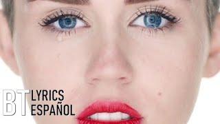 Miley Cyrus - Wrecking Ball (Lyrics + Español) Video Official