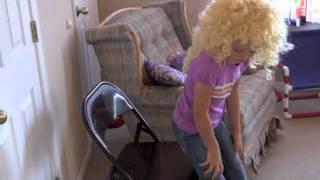 Goldilocks Cleans the Three Bears House