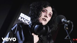 Pale Waves - Eighteen (in the Live Lounge)