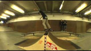 Vans Skatepark Best Trick Contest #17, spine ramp
