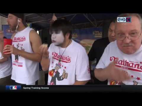Cleveland Indians announcers not impressed with pregame hot dog eating contest