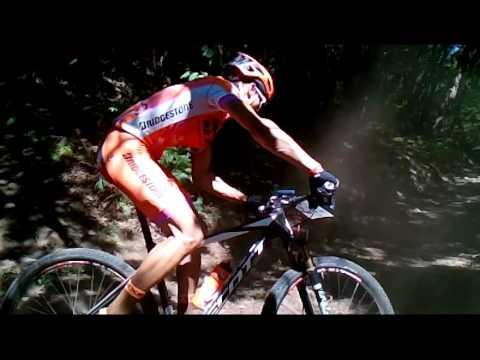 Cabril, freguesia Povolide, Viseu. Vi aqui os ciclistas, em montes e vales.