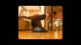 видео 5 упражнений на баланс борде для фитнес-тренировок продвинутого уровня
