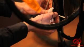 Как легко исправить восьмерку на велосипедном колесе(Видео о том, как собственноручно побороть такое негативное явление, как