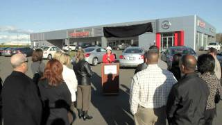 Bill and Debbie Robertson Nissan - New Sign Goes Up