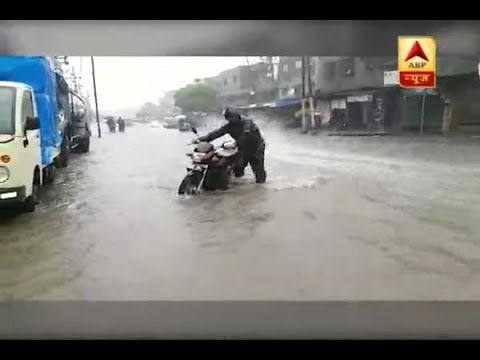 Maharashtra: Streets turn into rivers post downpour in Bhiwandi
