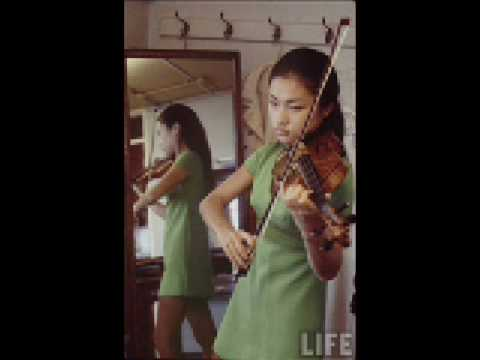 "Kyung-Wha Chung plays Bach ""Chaconne"" from Partita No. 2 for solo violin BWV 1004 - Part I"