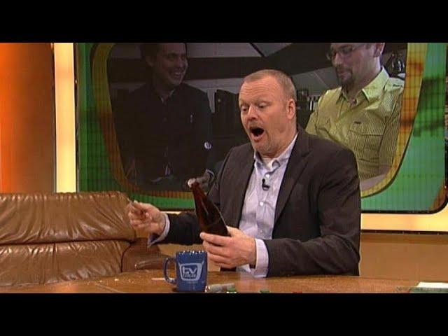 Bierflaschen öfnen mit Wendler CD - TV total