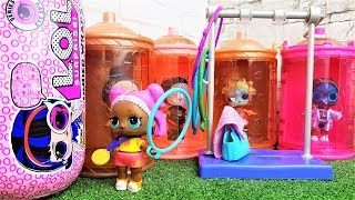 КУКЛЫ ЛОЛ СЮРПРИЗ МУЛЬТИКИ! КОРОЛЕВА НА ЗАРЯДКУ!  LOL Families Surprise Dolls