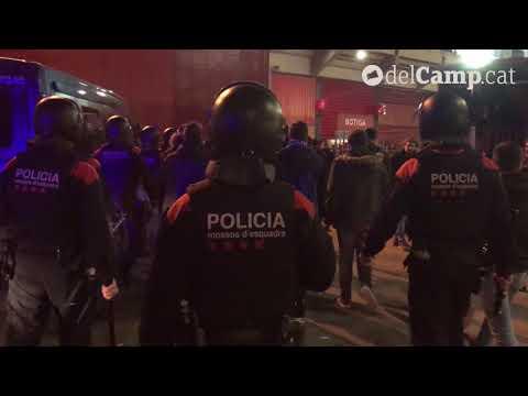 Embossament de l'ARRO als aficionats radicals del Zaragoza al Nou Estadi