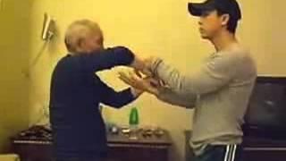 Ип Чун сын Ип Мана обучает Донни Йена для фильма u0027Ип Манu0027