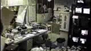阪神淡路大震災発生の瞬間(あわやキャビネットに押し潰されそう)
