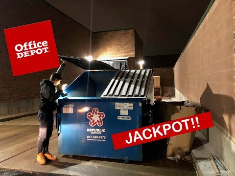 JACKPOT!! OFFICE DEPOT DUMPSTER DIVING!! FOUND BRAND NEW LUXURY OFFICE CHAIR!!