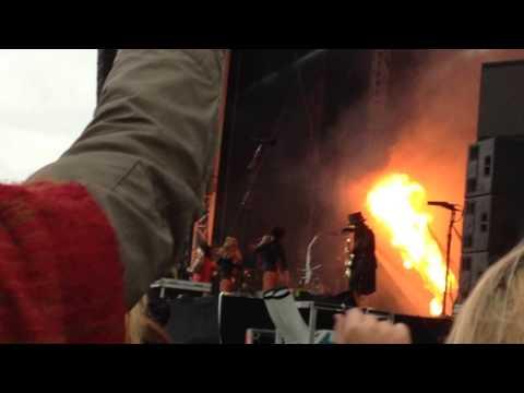 Motley Crüe - Kickstart My Heart @ Download Festival 2015