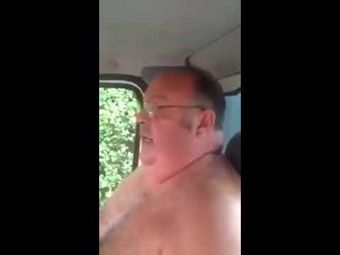 Man singing jolene by dolly parton