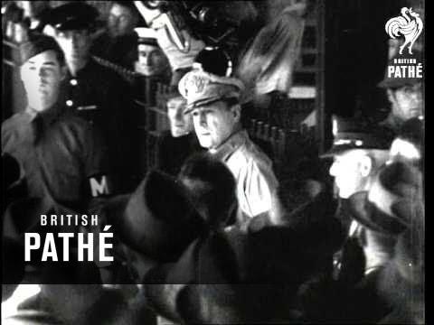 Macarthur In Australia (1942)