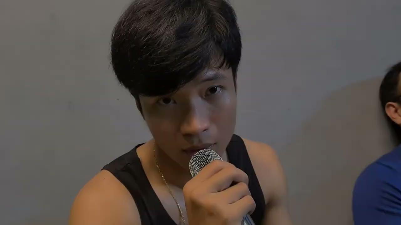Tony Hát Karaoke Trong Phòng Gym