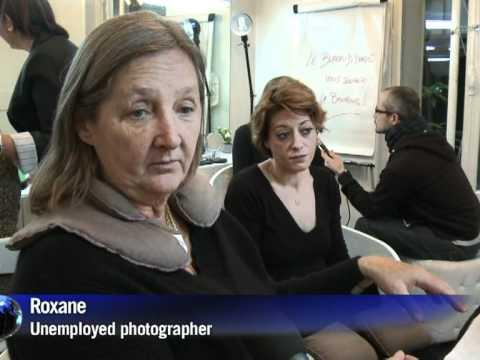 Arabic-Web-French employment charity offers 'mani-pedi-CV'