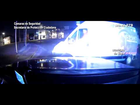 Un motociclista alcoholizado chocó contra una rotonda