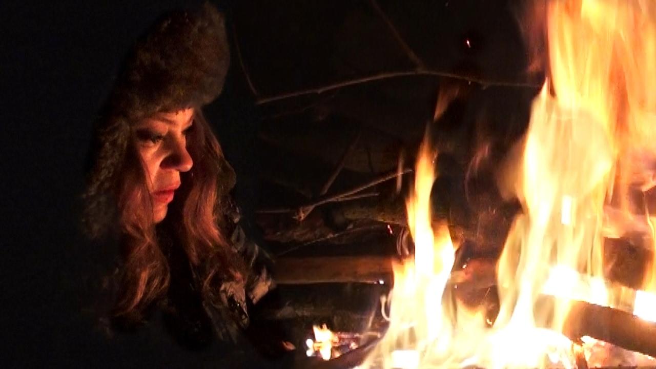 Одиночная ночёвка в лесу зимой / Жуткая ночь! Костёр подвёл