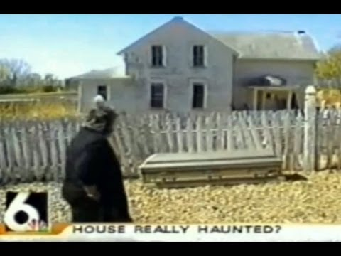 Is Haunted Hollow really haunted? - Television - Psychic visits the Nebraska Farmhouse (2004)