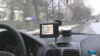 видео Как установить GPS-навигатор, установка правильно, как выбрать место в панели?