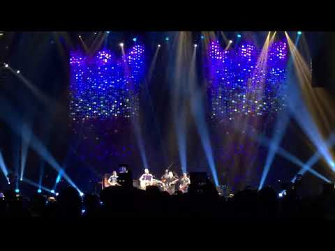 Coldplay - Free Fallin' (Tom Petty Tribute) with REM Peter Buck, Portland OR, 10/2/17