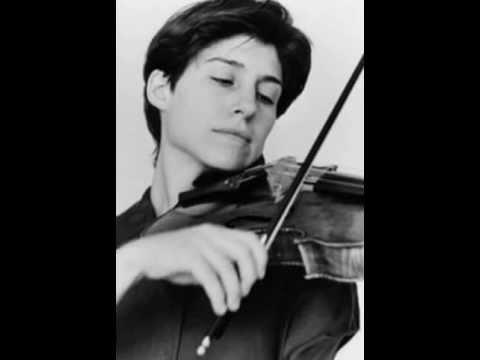 Kim Kashkashian plays Brahms Viola Sonata No. 2: I. Allegro amabile