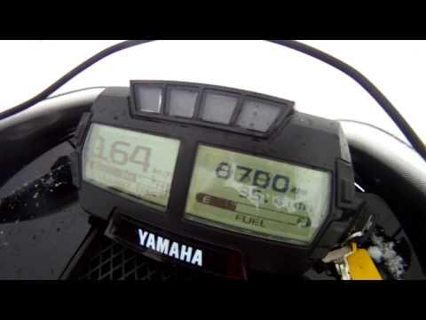 yamaha Sidewinder BTX LE 153'' top speed run off trail in few inch of fresh snow
