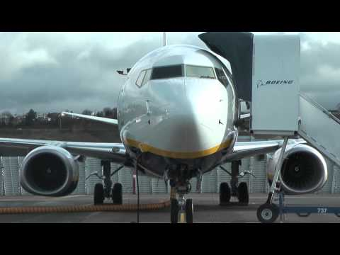 Special Boeing delivery for Ryanair - 300th Boeing 737-800