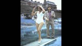 Miss Tyne Tees TV July 1971 beauty queen tynemouth at swimming beach pool