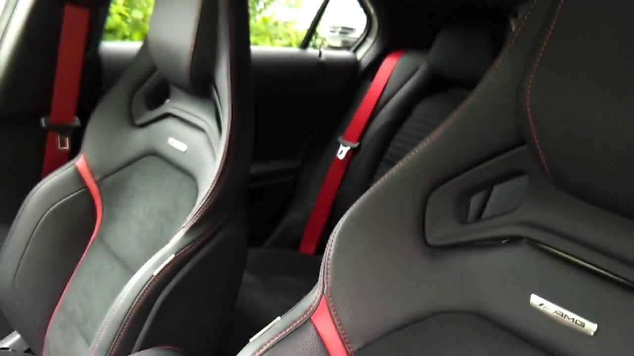 der neue mercedes a45 amg innenraum performance sitze youtube. Black Bedroom Furniture Sets. Home Design Ideas
