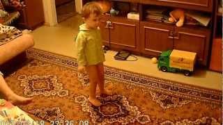 Танец под песню из фильма Белоснежка - месть гномов.AVI