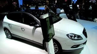 2013 Lancia Delta Gold - Exterior and Interior Walkaround - 2012 Paris Auto Show