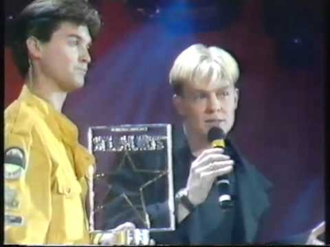 Smash Hits Poll Winners Party 1989 Jason Donovan with Too many broken hearts & Every Day (VHS 11)
