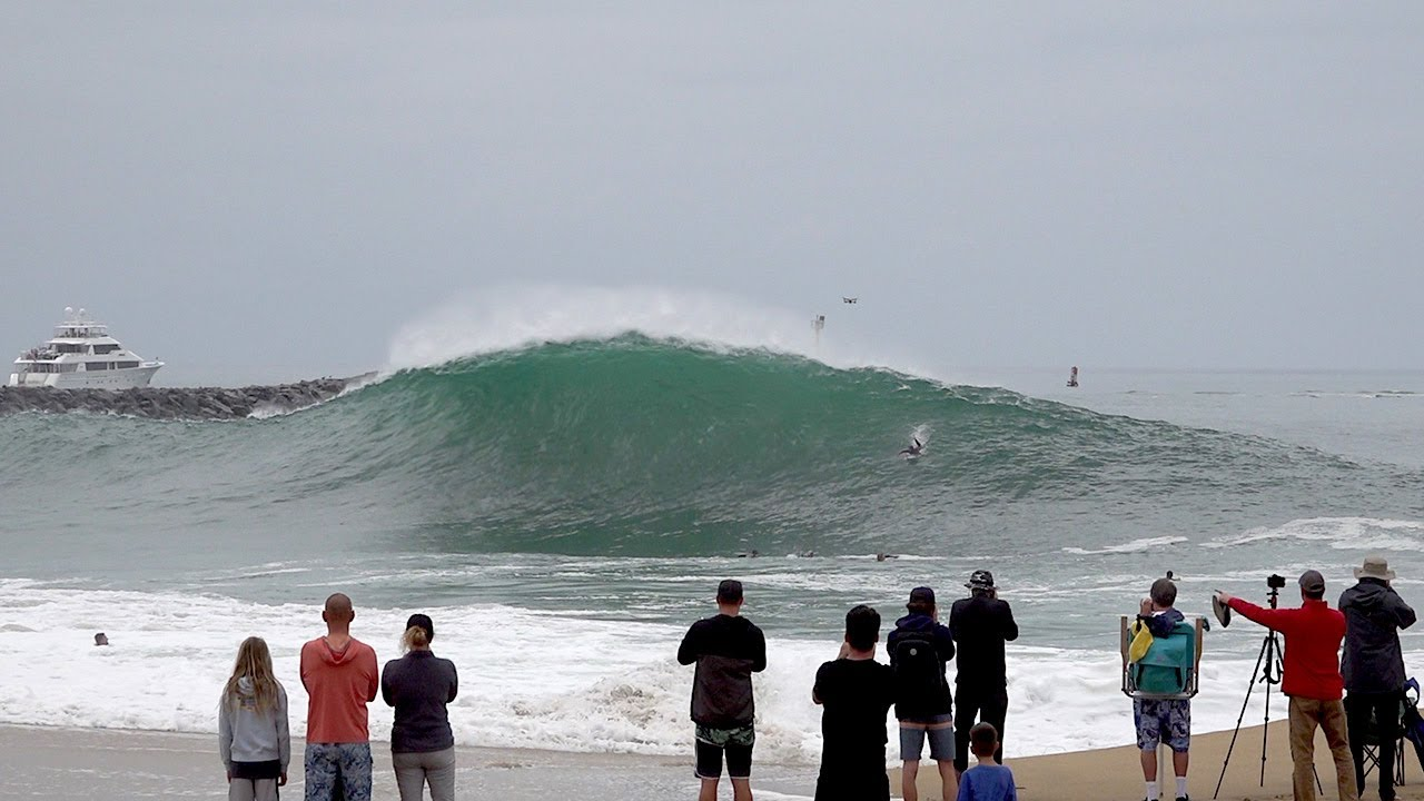 First PUMPING swell at the Wedge 2021 and it's GRANDE !!! La Bomba !!!