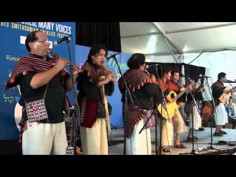 Bolivian Music Performance by Los Masis